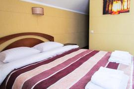kiev-hotel-platium-cottage-suite-three-bedroom-01.jpg