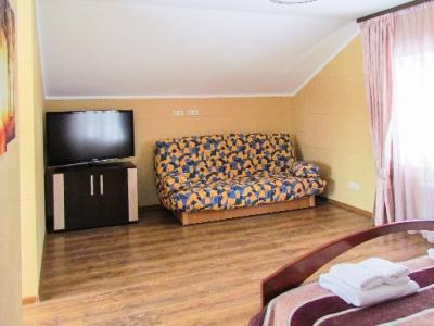 kiev-hotel-platium-cottage-suite-three-bedroom-03.jpg