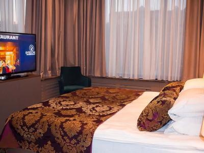 hotel-khreschatyk-apartment-prestige-01.jpg