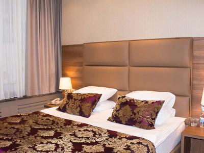 hotel-khreschatyk-apartment-prestige-02.jpg