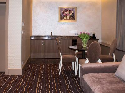 hotel-khreschatyk-apartment-prestige-03.jpg
