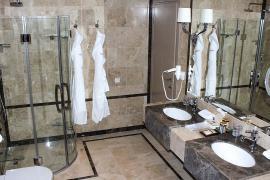 hotel-khreschatyk-apartment-prestige-06.jpg