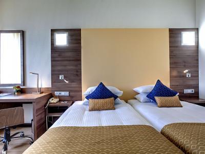 dome-hotel-standard-room-04.jpg