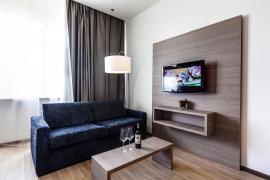 demo-hotel-suite-room-02.jpg