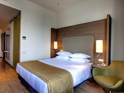 demo-hotel-suite-room-03.jpg