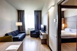 demo-hotel-delux-room-01.jpg