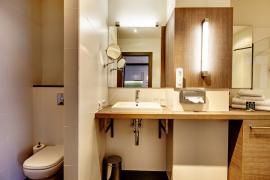 demo-hotel-delux-room-04.jpg